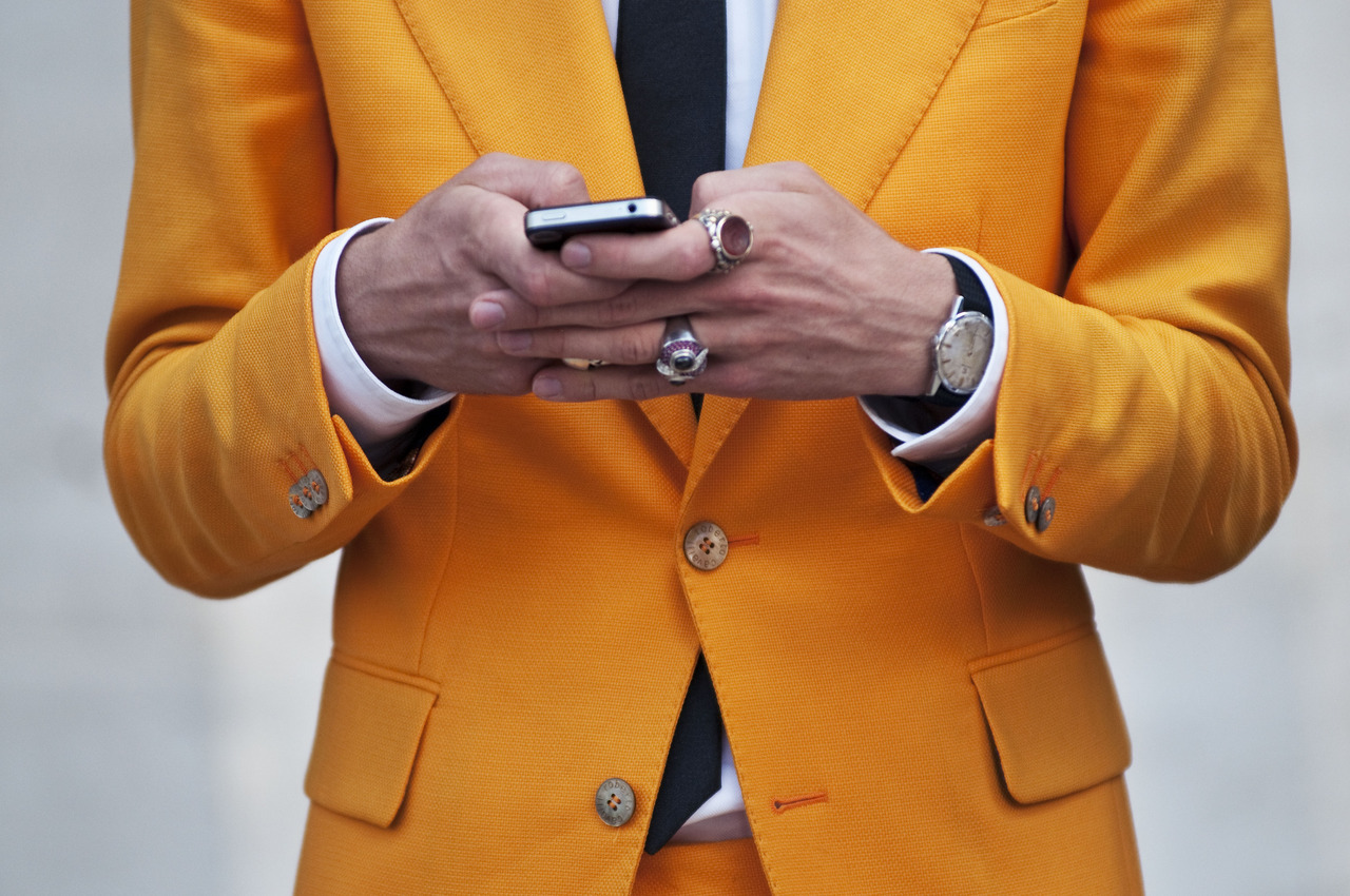 мужской желтый пиджак