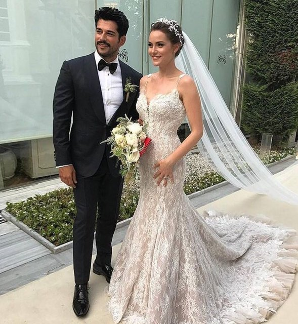 Свадьба Бурака Озчивита и Фахрие Эвджен