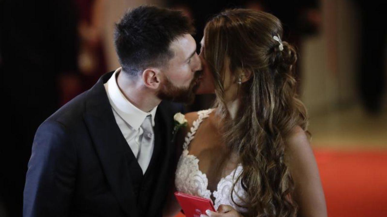 Месси с женой