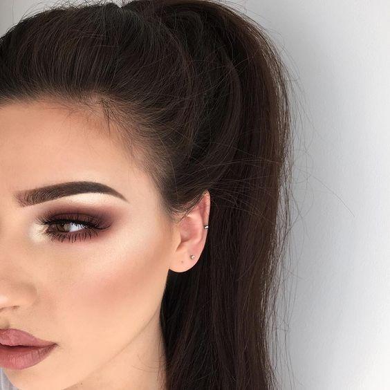 Макияж на выпускной 2021 для карих глаз: модные тенденции, фото