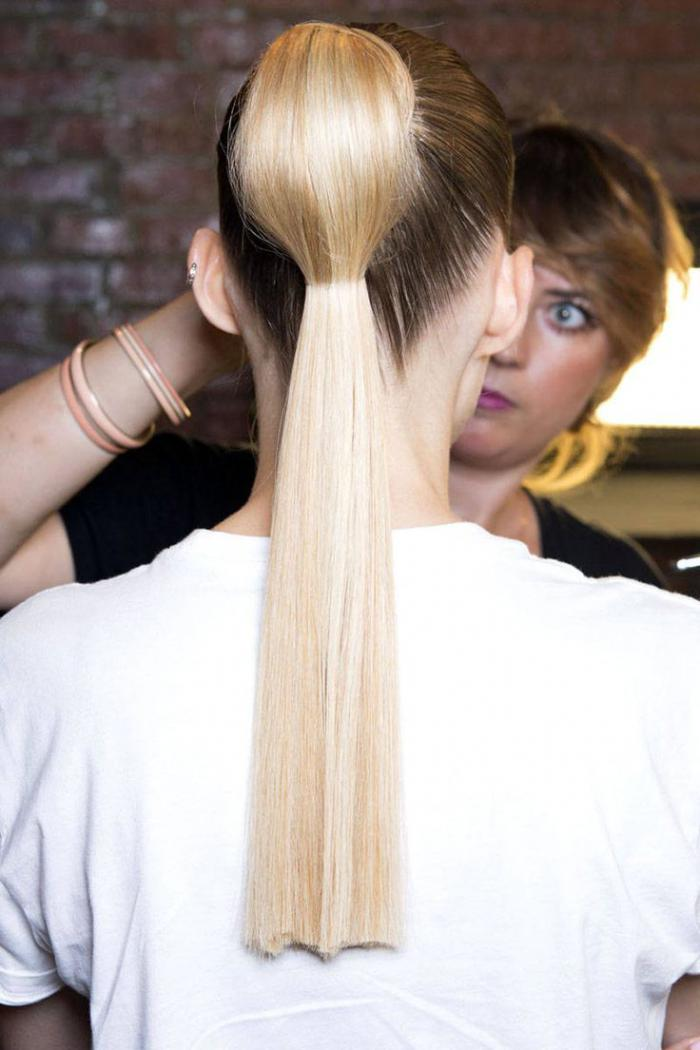 Прически на выпускной 9 класс на длинные волосы 2021: фото, новинки