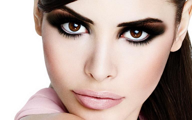 Макияж на выпускной 2018 для карих глаз: тенденции, фото, идеи