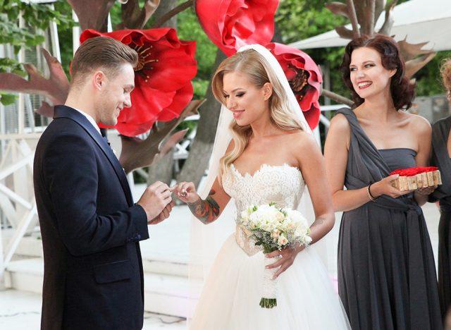 Рита Дакота объявила о разводе из-за измен мужа