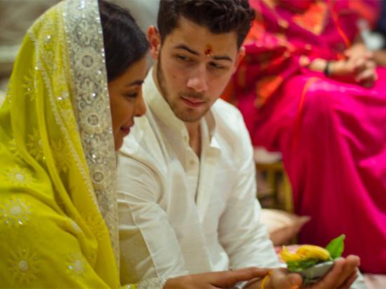Приянка Чопра и Ник Джонас провели свадебный обряд в Индиии