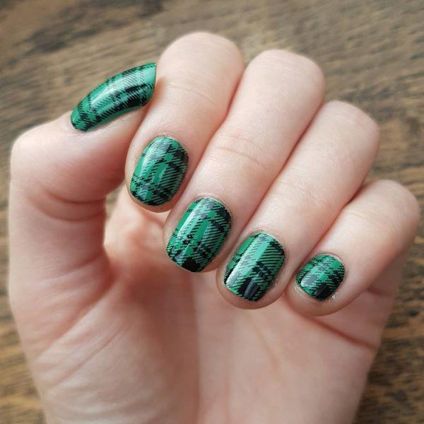 Зеленый дизайн ногтей 2018: стильные идеи