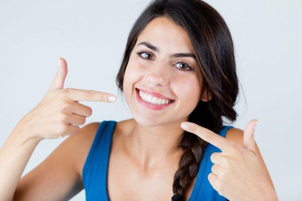 10 советов, как отбелить зубы в домашних условиях