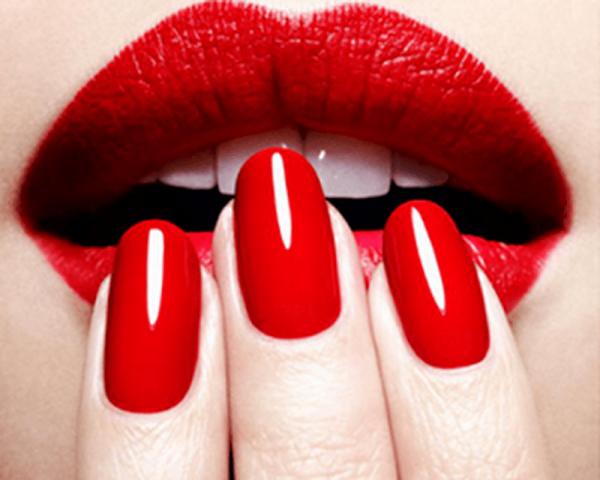 Смелый красный: дизайн ногтей 2018