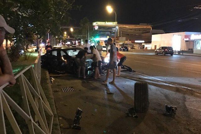 Федор Смолов разбил машину за 9 миллионов рублей и покинул место ДТП