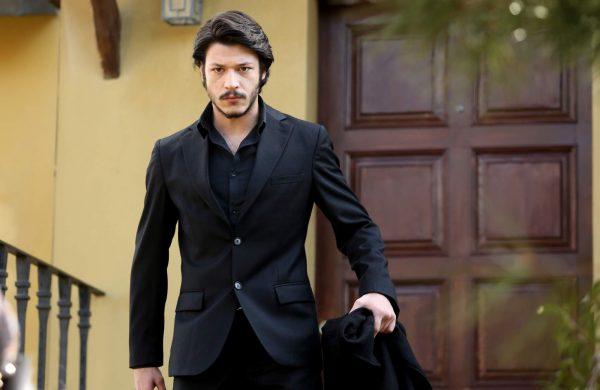 Турецкий актер Кубилай Ака - биография и личная жизнь