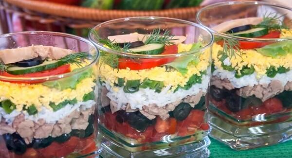 Салаты на Новый год 2020 новогодние, вкусные самые. Фото салатов в год  Белой Крысы 2020, праздничные. | 325x600