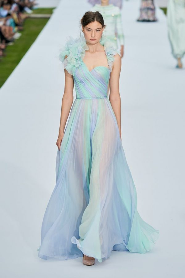 Модные и красивые платья на Новый год 2020
