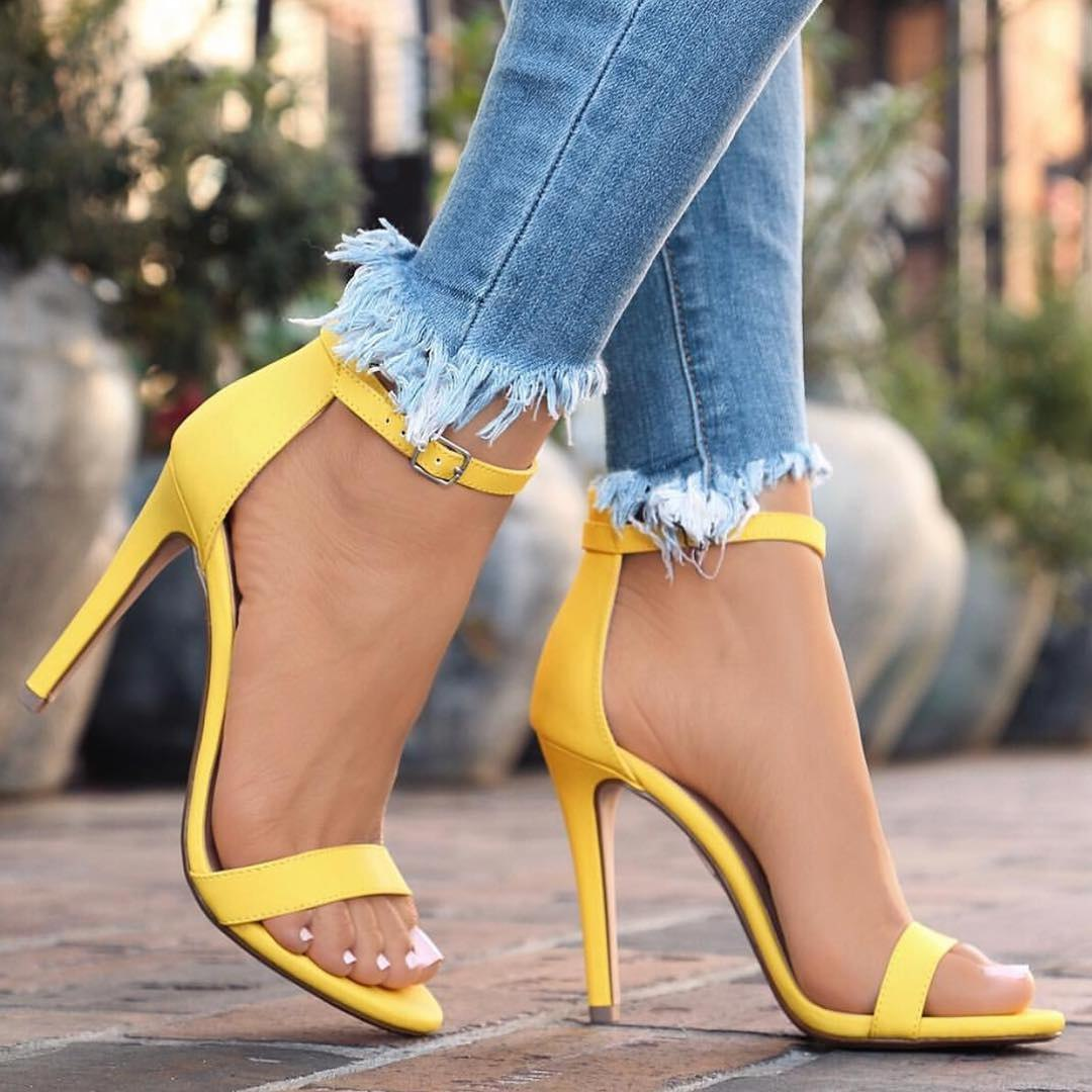 Яркие сочные тона туфель